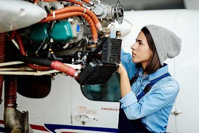 Aircraft_Maintenance_Technician.jpg