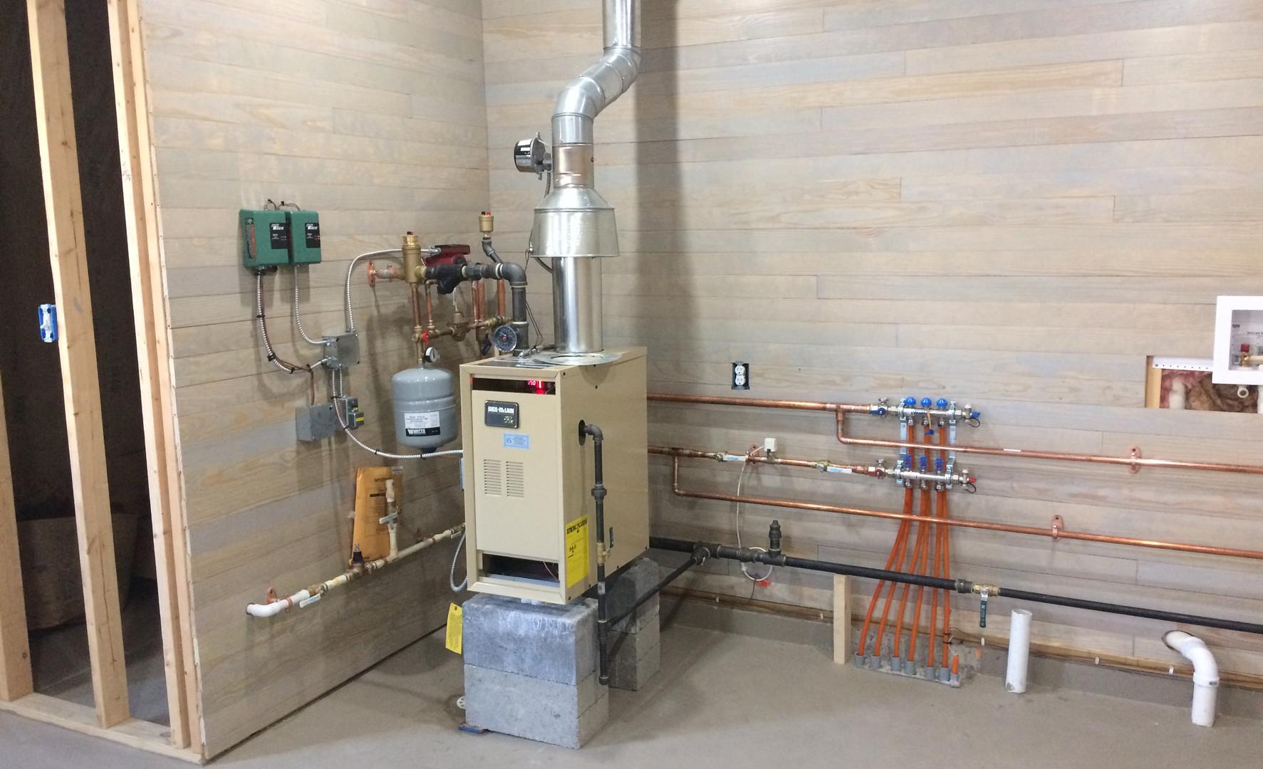 Gas boiler 2-zone radiant floor heat