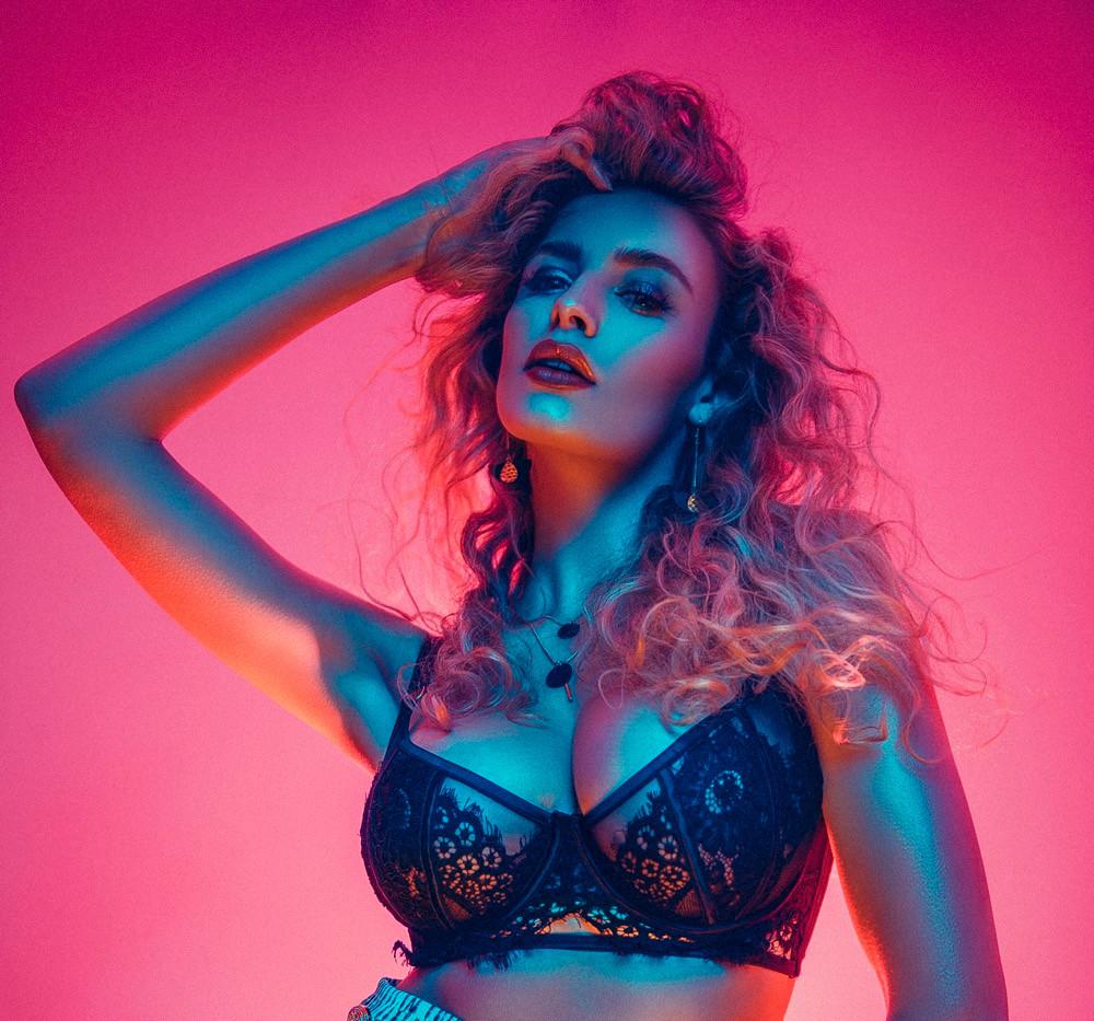 IZZY S Music Video Models London