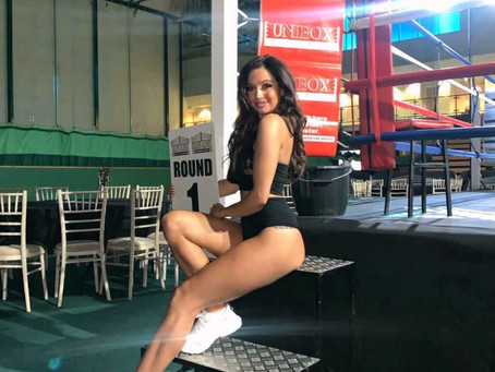 We chat with our Ring Girl Issy! What do you prefer Boxing or MMA? 🤔 🥊