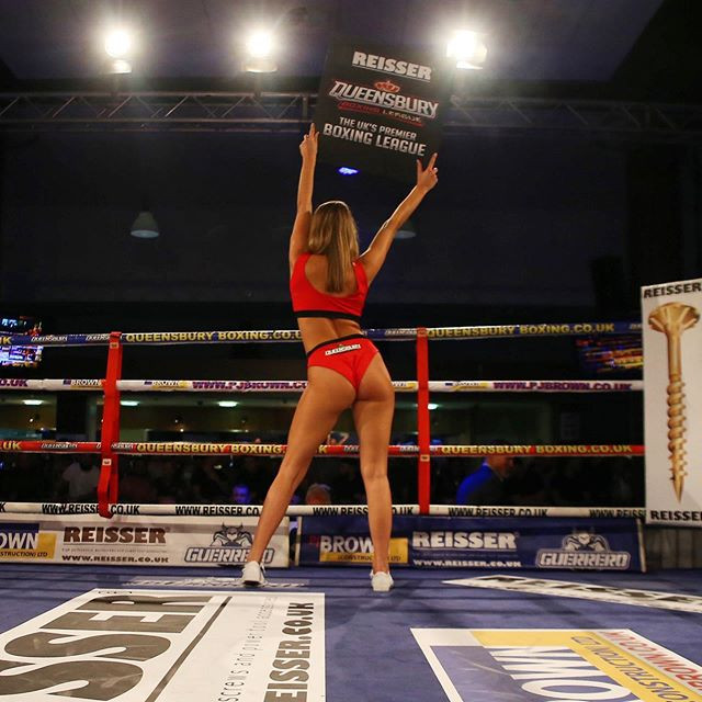Boxing hostesses