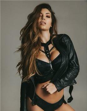 Samantha B London Model