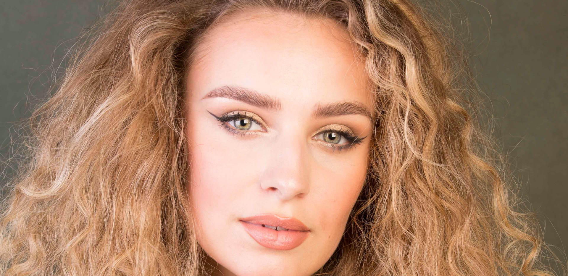 Izzy Event Models UK