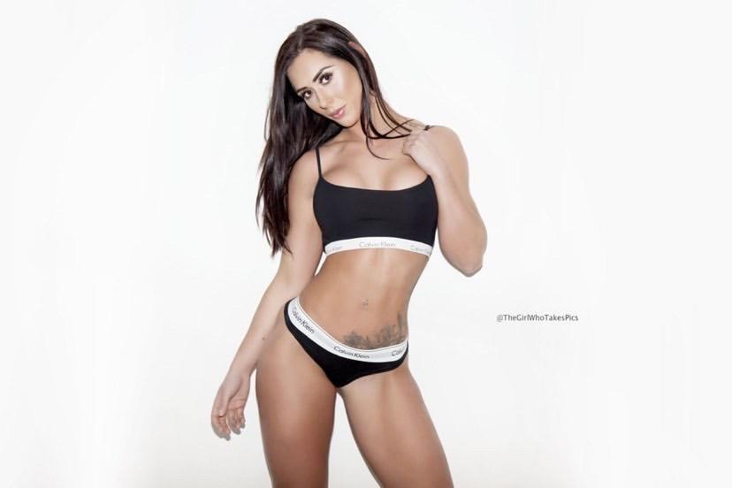 Event Models Brunette