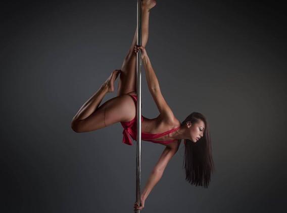 Selina Pole Dancing