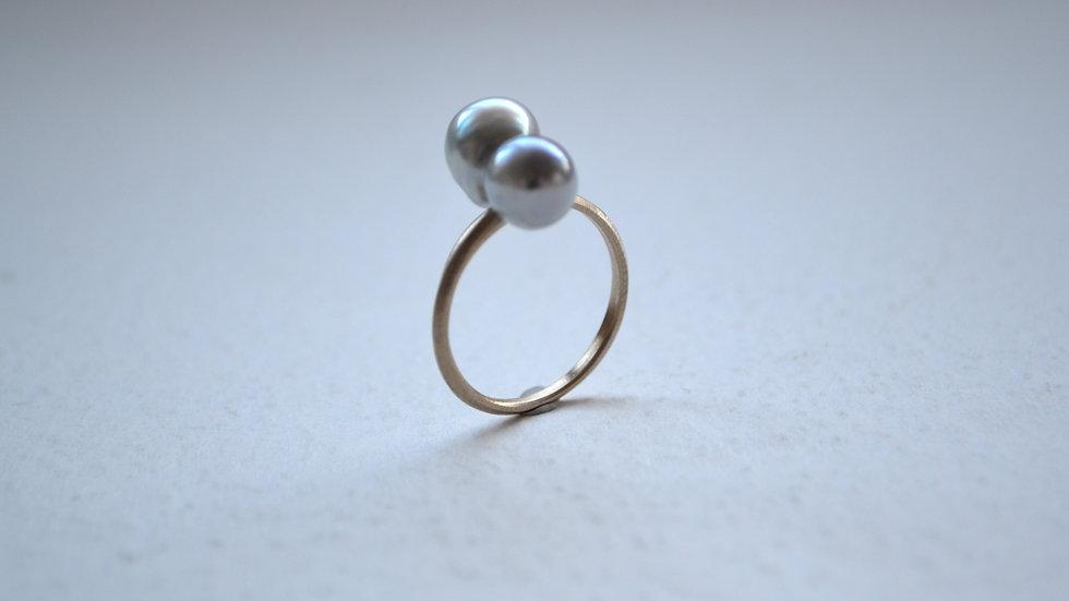 Twin akoya pearl ring