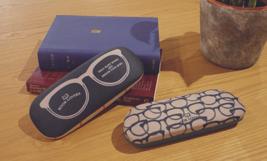 BOOKS GLASSES CASE