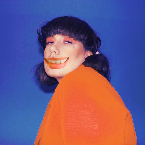 Ulkona nyt / Out Now: Litku Klemetti - Topsipuikolla aivoon