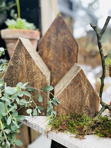 Süße selbstgemachte Holzhäuser im Shabby-Vintage-Stil