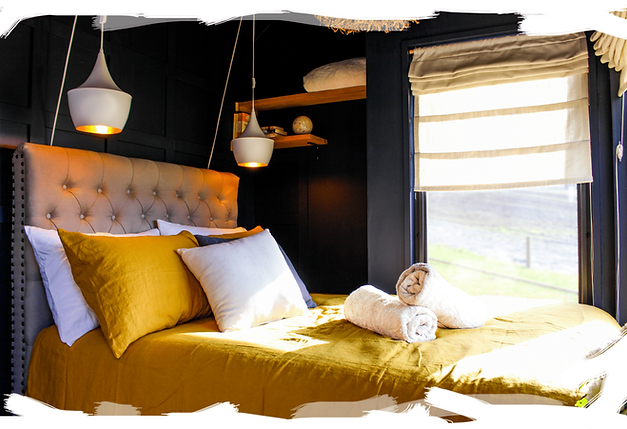 Compass  Hut - Main Bedroom Photo (IMG_9