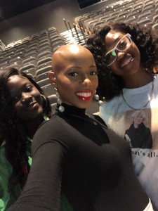 After speaking to high school student at the Pompano Beach MLK Summit, Mikaya Dionne shares a photo opportunity with aspiring fashion models- Jamia and Sharde. Mikaya lends a note of inspiration and tips to achieve their dreams of being apart of the fashion industry.