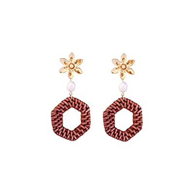 These simple, yet fun dangle earrings add a little personality to your favorite dress or jumpsuit. Makes the perfect touch to your work day ensemble.