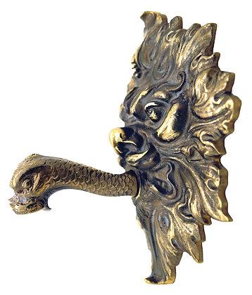 Goulot avec tête de lion