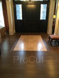 Foyer hardwood and tiles