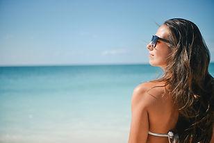 Femme par la mer