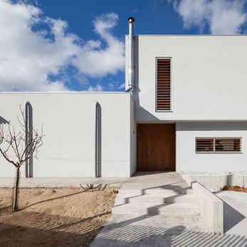 Duarte-Menduiña-House