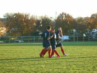 Séniors : la A s'impose à Gondreville (1-3), la B frustrée contre Val  de Seille (2-2).