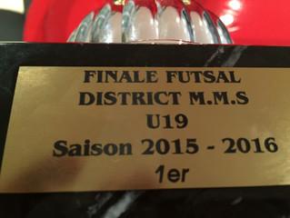 Les U19 remportent la finale Districale de foot salle !