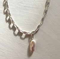 Plethora Baroque Pearl Necklace