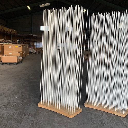 Sticksナチュラルウッド(ワイドカーブ)×rodsホワイトH150(左)