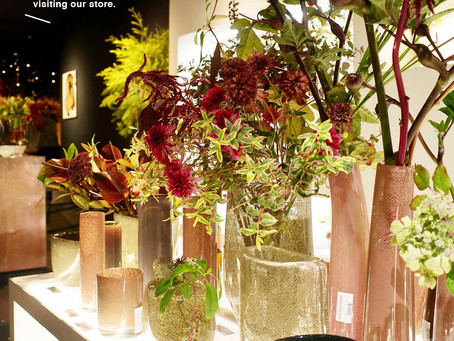 ショールームがお花でいっぱいです!!