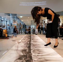 Mirage… Sarâb, 2019 Performance 20e Journée du patrimoine  Musée de l'Institut du monde arabe, Paris  © Nagham Hodaifa
