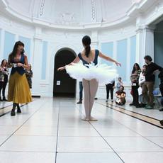 Pirouette, 2019 Performance, The Hugh Lane  © Ella de Burca