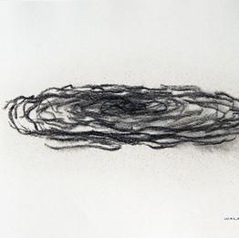 Suspendu, 2016 Fusain sur papier 21 x 29,7 cm © Walaa Dakak