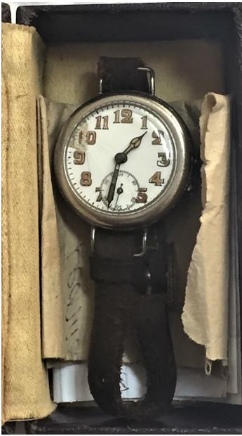 Hatch - Watch in Box Open.jpg