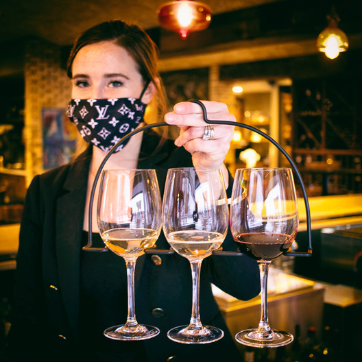 Allie-Zarletti-Mequon-wineflight.jpg