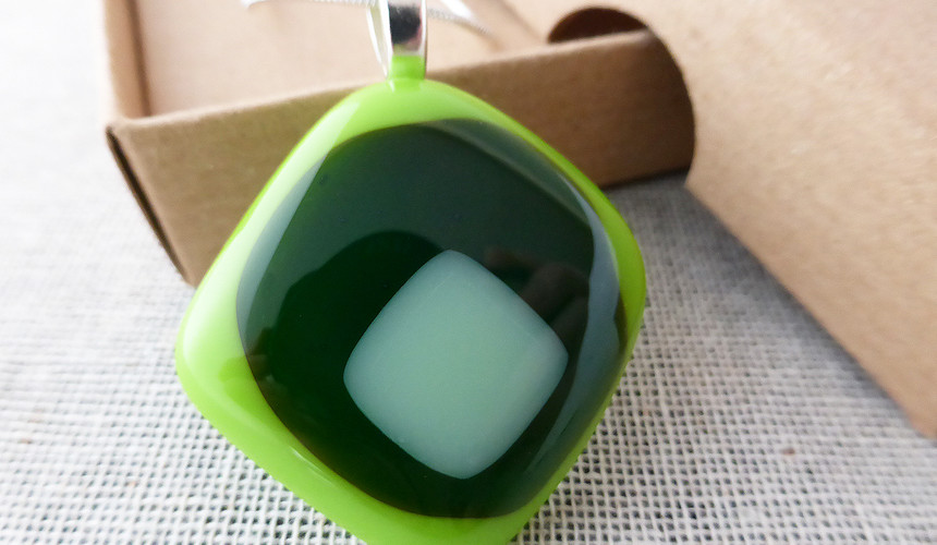 Bright Green Retro Diamond