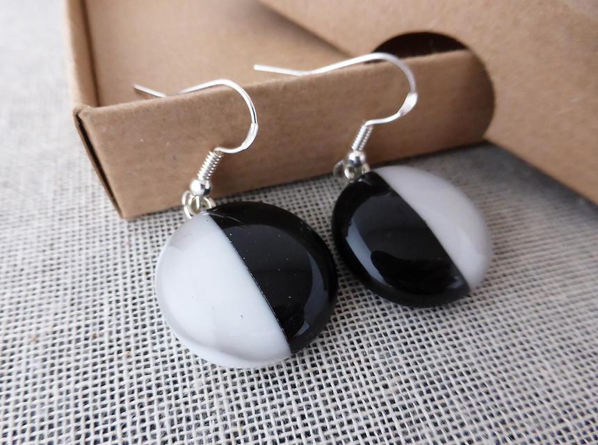 Duo Black & White Round Drop Earrings