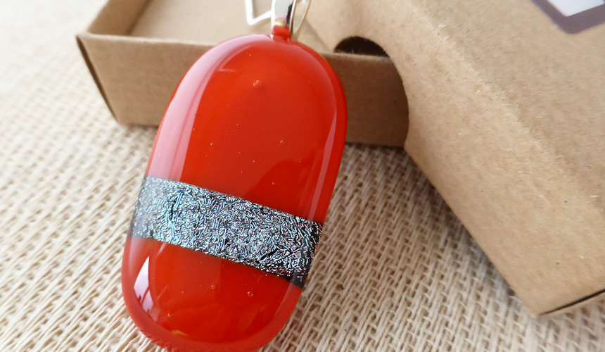 Red and Sparkly Ovoid Pendant