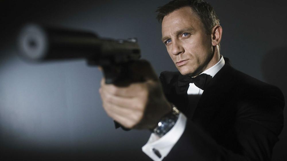 Daniel Craig Bond Gun