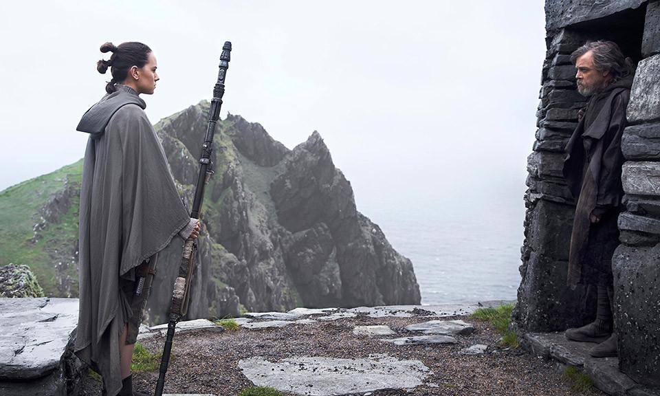Luke and Rey facing