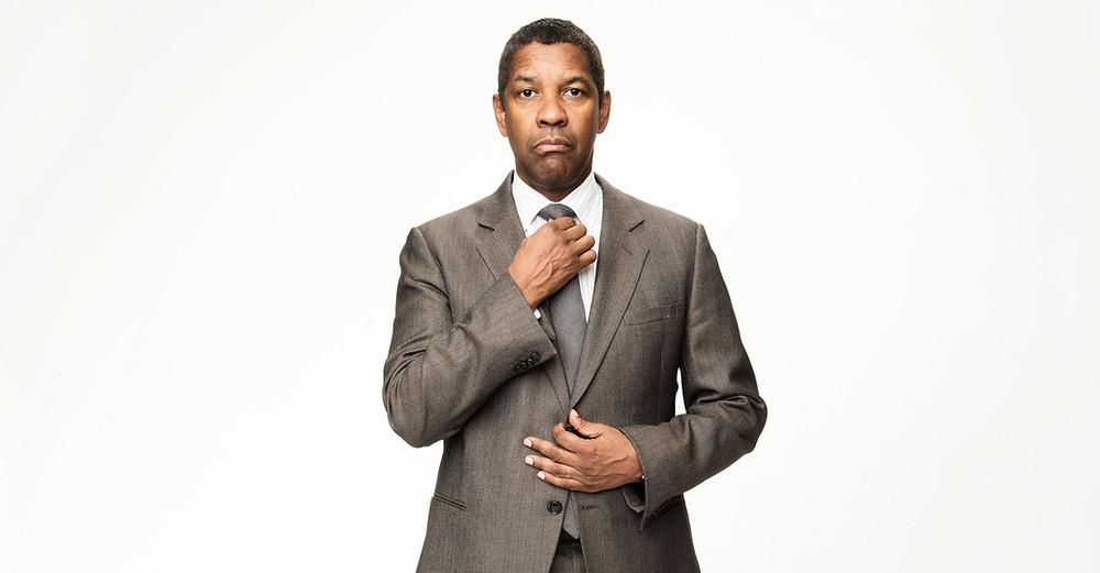 Denzel Washington altering tie
