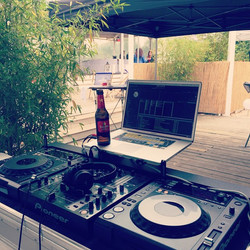 Beach Time ☔️☀️_#basteilübbe #slightdj #music #cologne #sundownbeach