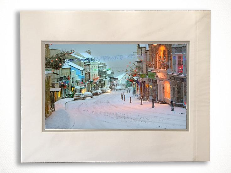 Double Mounted Print - Snowy scene, early morning in Lyme Regis.