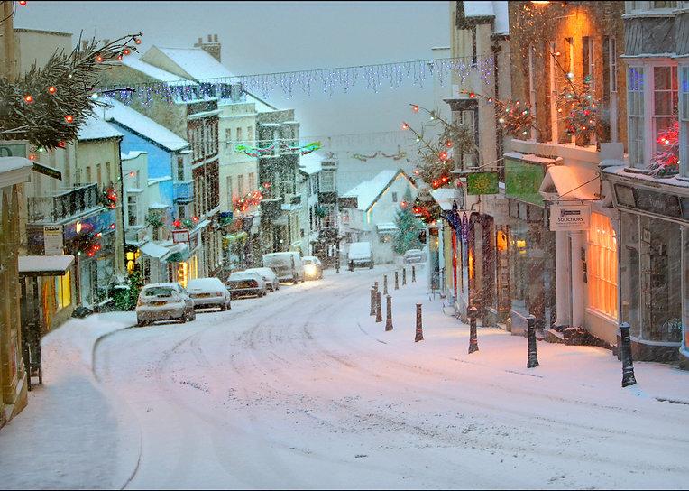 Christmas in Broad St, Lyme Regis