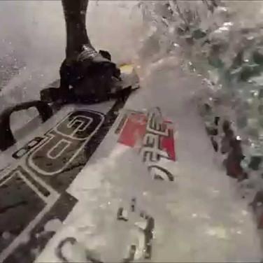 Sinistro! Kai Lenny em Jaws com um JetSurf 2016, modelo intermediário