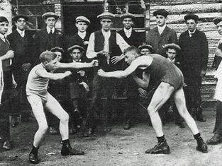 Bare_knuckle boxing Newmarket Road c 1910.jpg