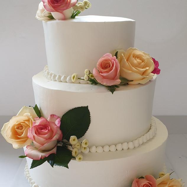 עוגת חתונה טבעונית