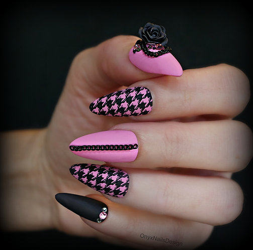 Houndstooth and Roses