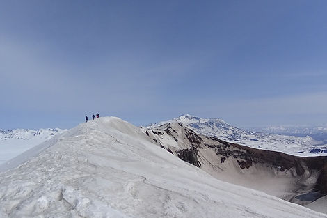 winter_kamchatka_goreliy_vulcano_1.jpg