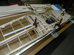 Construction corsair F4U 010.jpg