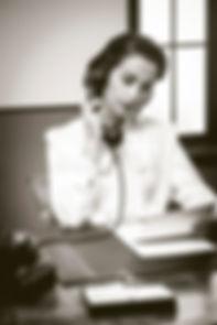 attractive-vintage-secretary-phone-worki