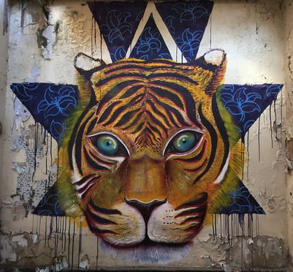 mundoletop-streetart-colombian-art.jpg