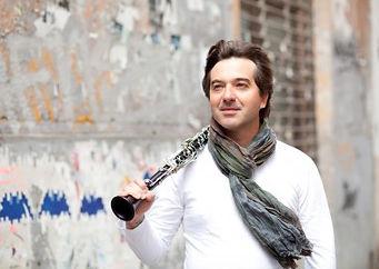 "Cecilio Vilar Alpuente, clarinetto piccolo solistae clarinetto assistente solistadella ""Orquesta de la ComunitadValenciana, Palau de les Arts ""Reina Sofía"" de Valencia"""