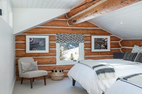 Log Cabin Guest Bedroom