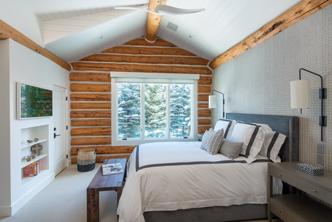 Master Bedroom Log Cabin